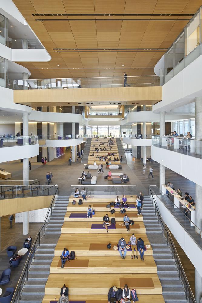 Kellogg School of Management MBA Program - Global Hub - Gies Plaza