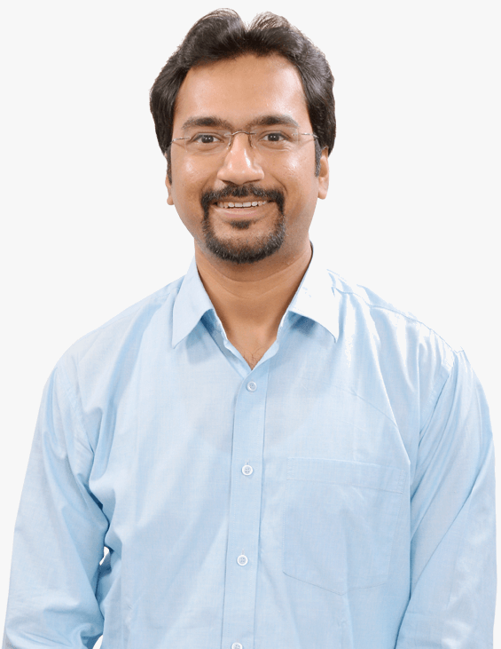 e-GMAT's Top Instructor Piyush Beriwal Front Facing Photograph