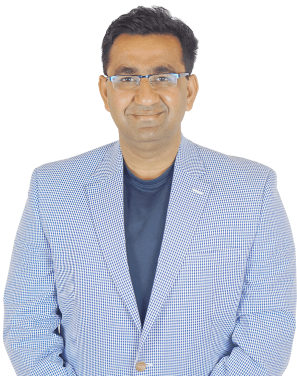 e-GMAT's Top Instructor Rajat Sadana Front Facing Photograph